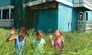 The Florida Project review – poverty and joy in the shadow of the Magic Kingdom